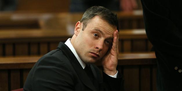 Паралимпиец Писториус приговорен к шести годам тюрьмы за убийство своей девушки
