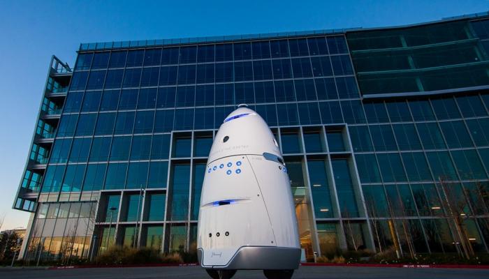 В Калифорнии робот-охранник нарушил первый закон Азимова