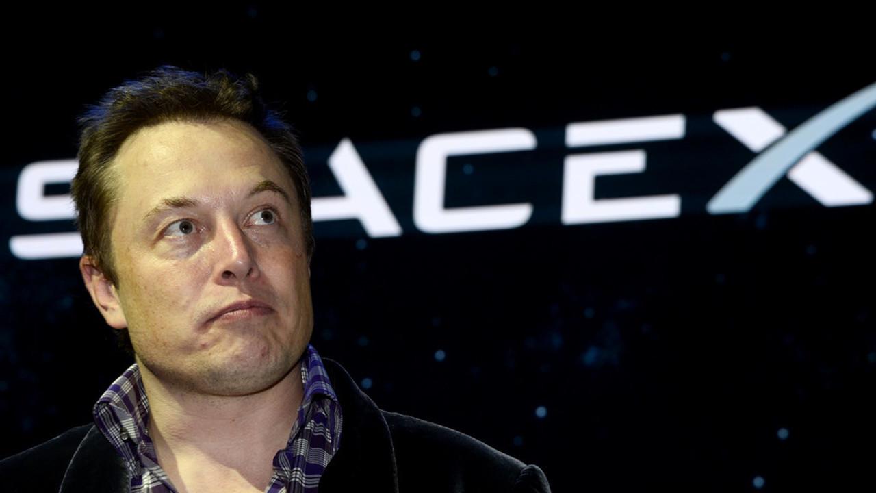 «Что такое Facebook?». Маск удалил страницу SpaceX изсоцсети