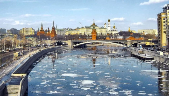 На выходных в Москве теплая и дождливая погода