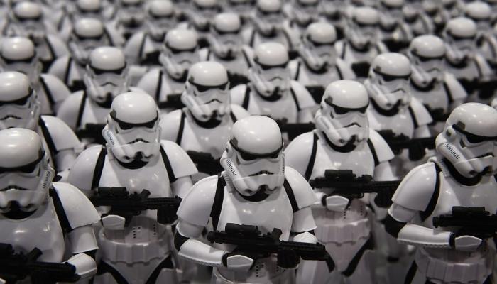 Герои «Звездных войн» проедут в метро