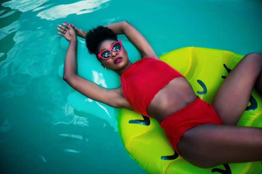 women-s-red-sleeveless-top-bikini-756560