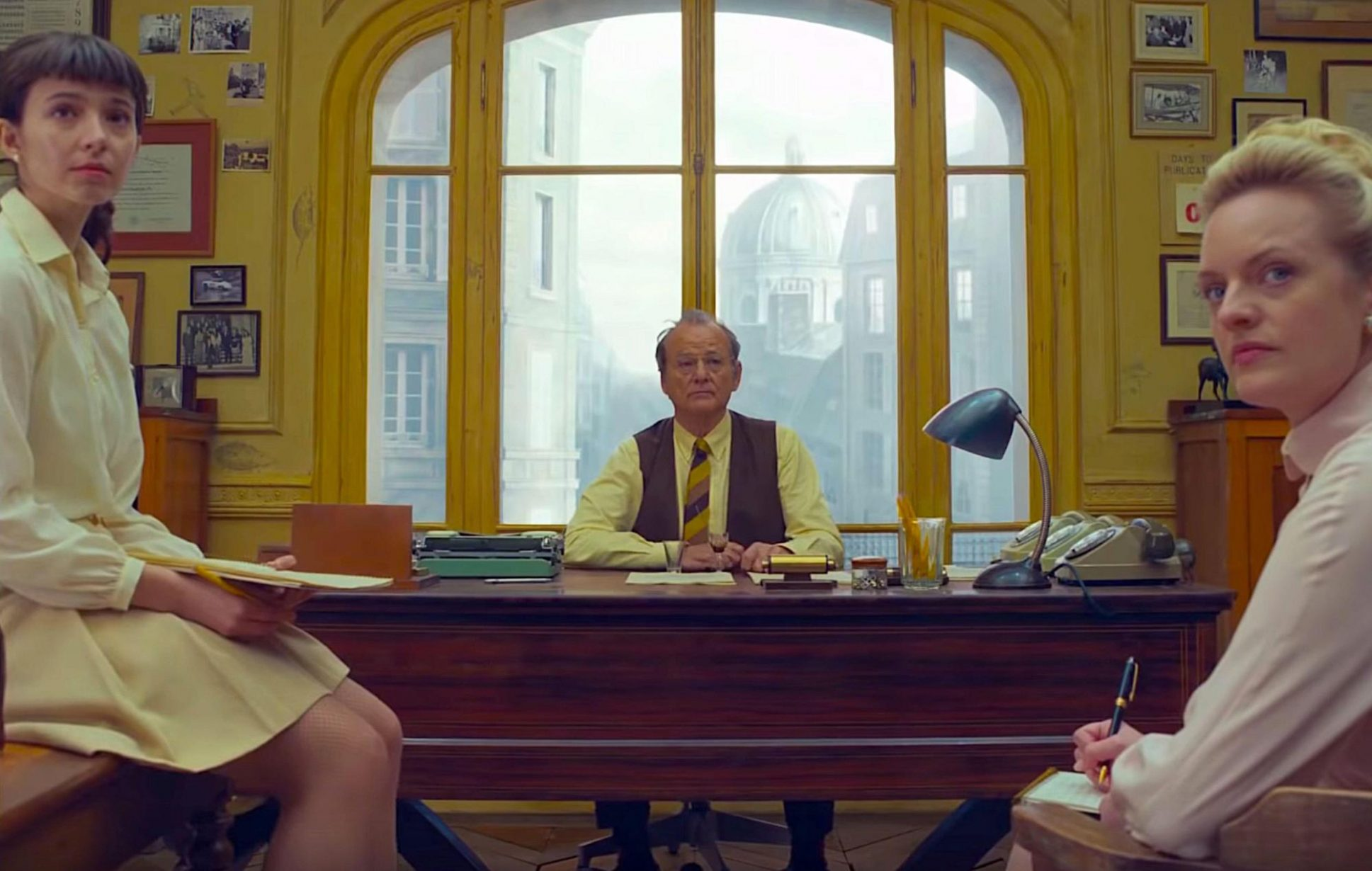 2BYP6C4 THE FRENCH DISPATCH 2020 de Wes Anderson Anjelica Bette Fellini Bill Murray Elisabeth Moss. Prod DB © Searchlight Pictures - American Empirical Pictur
