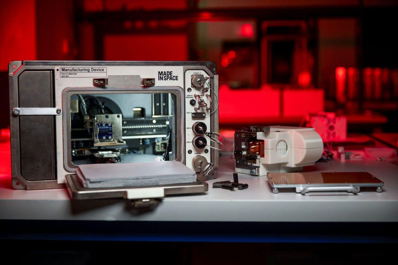 nasa-3d-moon-dust-printer-international-space-station-1
